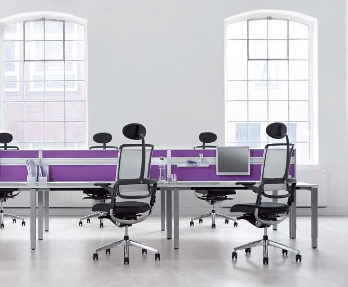 Xio Team Arbeitsplätze Mit Dritter Ebene Als Schallschutz Und Sichtschutz